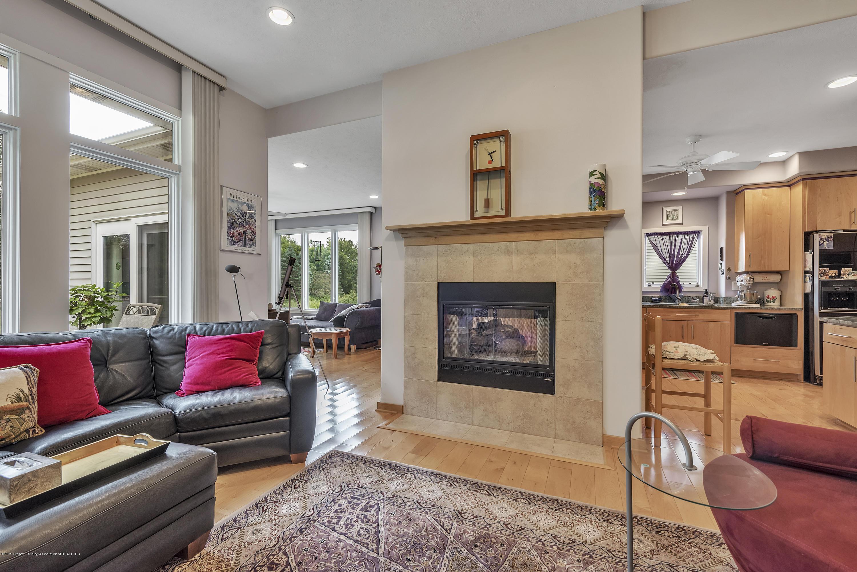 2327 Sapphire Ln - Livingroom two-way fireplace - 7