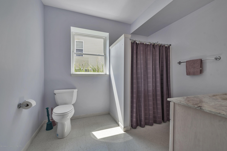2327 Sapphire Ln - Lower Level full bath - 26