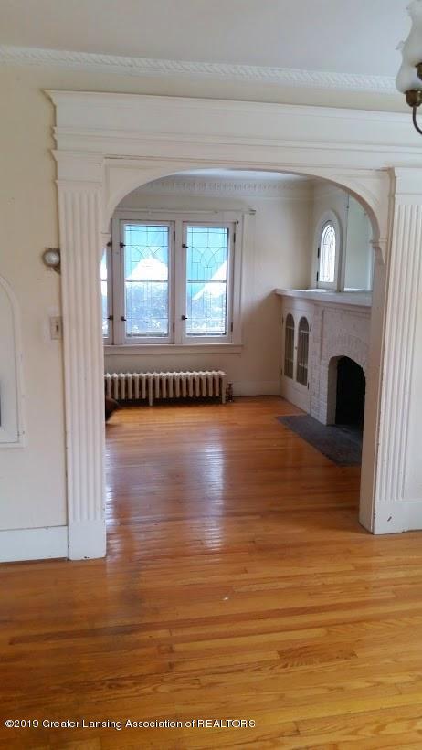 418 West St - dining room into livingroom - 5