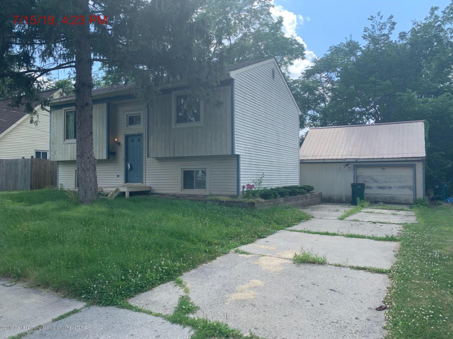 2516 Lyons Ave - Side - 3