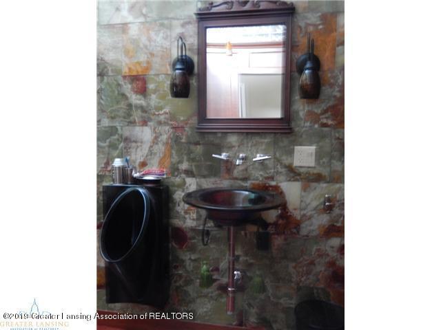 595 Dart Rd - Bathroom - 14