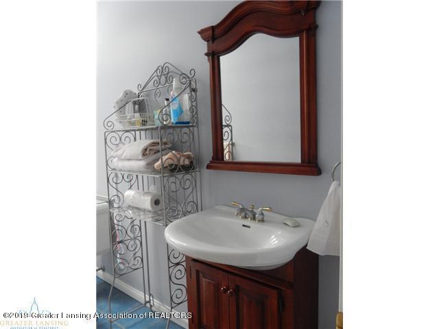 595 Dart Rd - Bathroom - 19