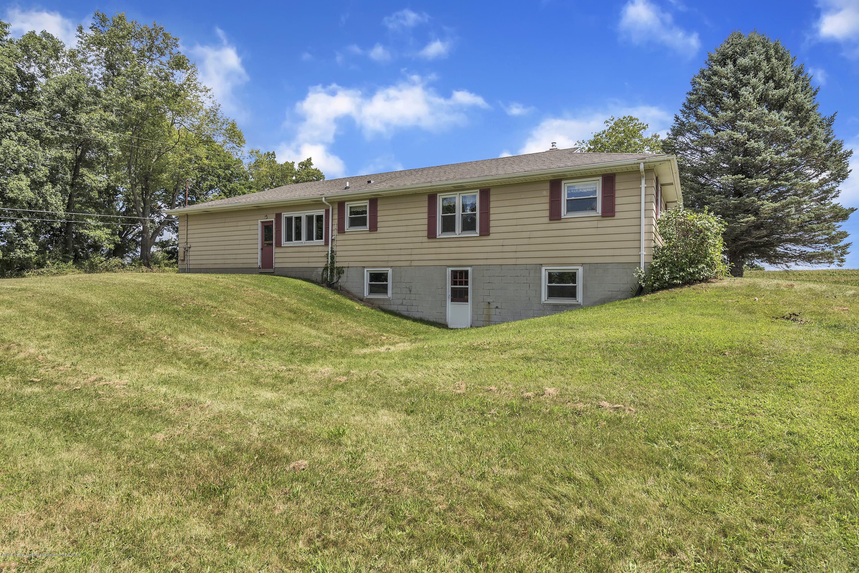 14560 Nichols Rd - 14560-Nichols-Road-Bath-Michigan-United- - 27