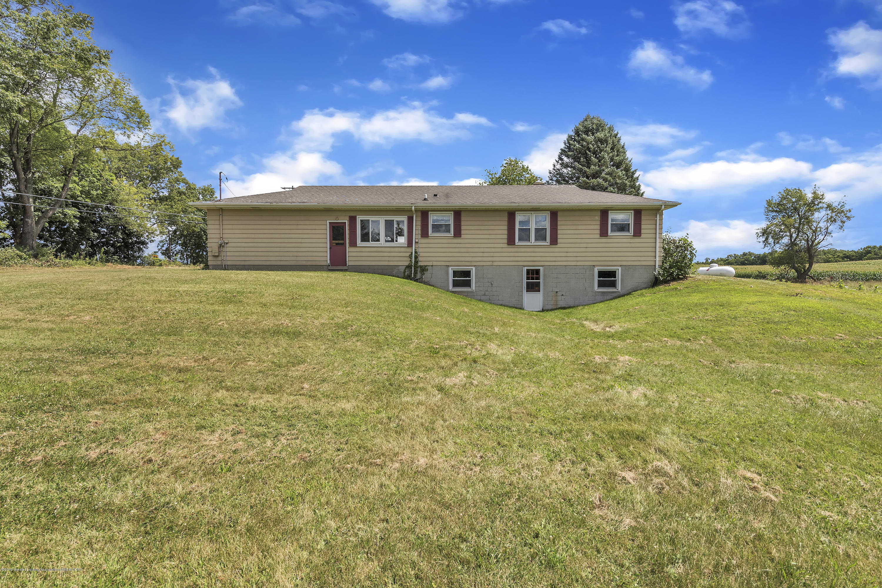 14560 Nichols Rd - 14560-Nichols-Road-Bath-Michigan-United- - 28
