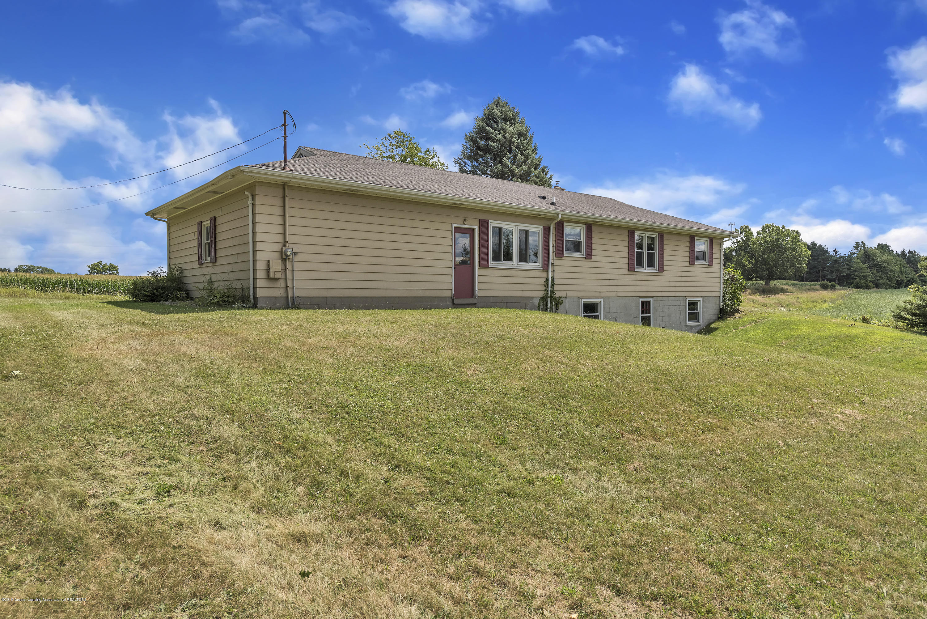 14560 Nichols Rd - 14560-Nichols-Road-Bath-Michigan-United- - 29