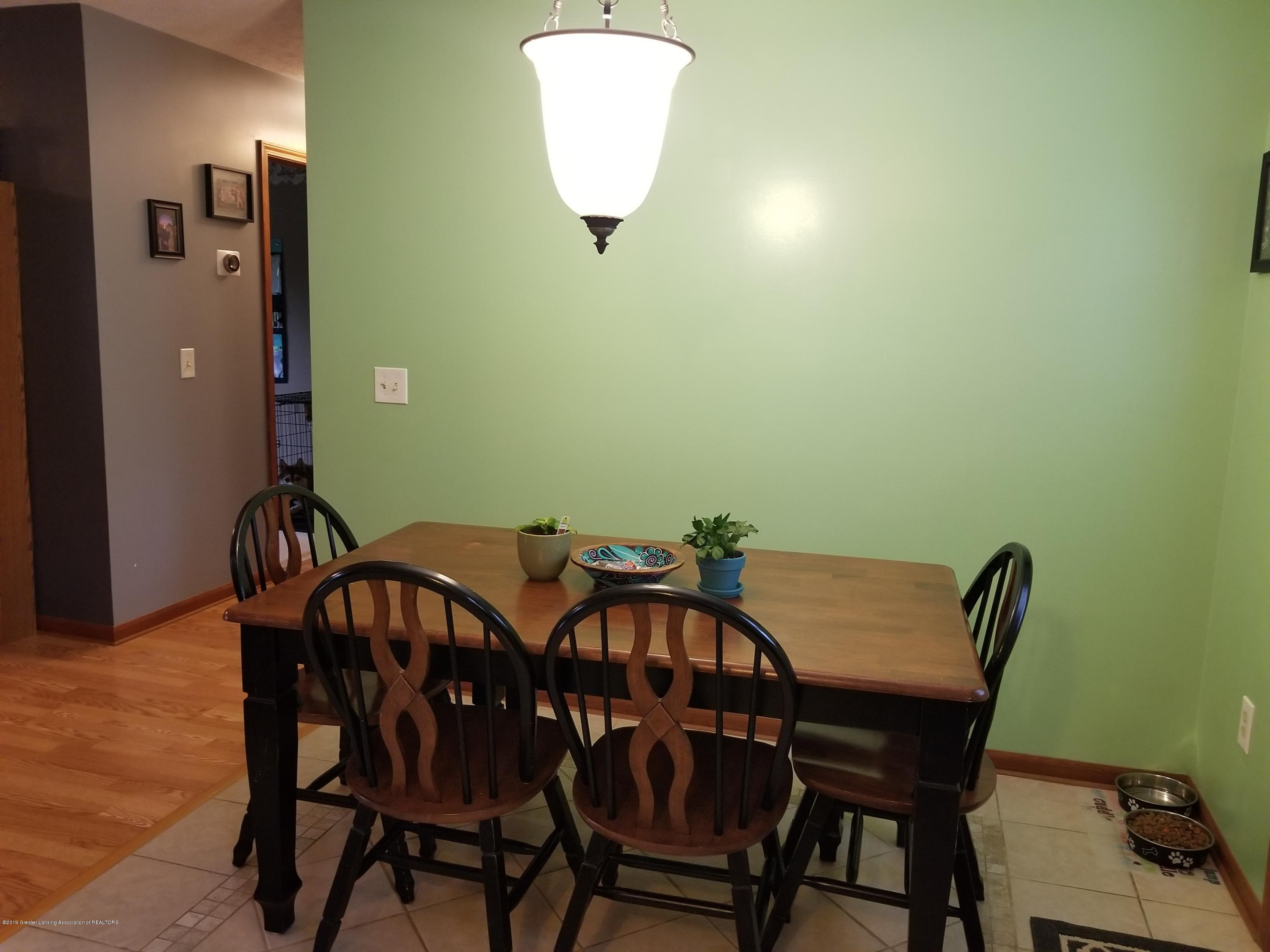3707 W Grand River Rd - DINING - 4
