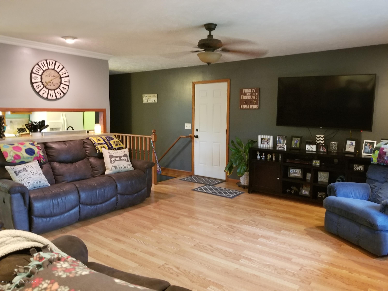 3707 W Grand River Rd - LIVING - 7