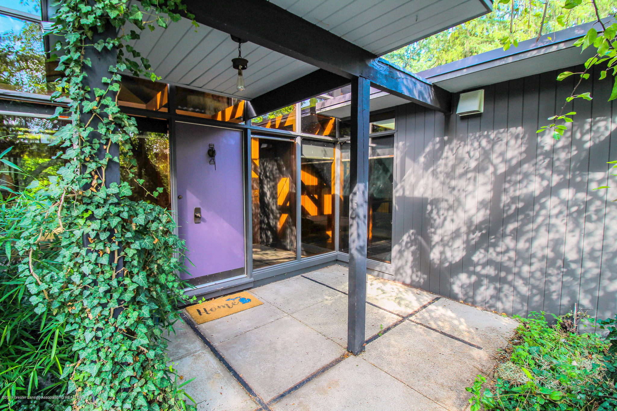 4702 Huron Hill Dr - Entry Way - 4