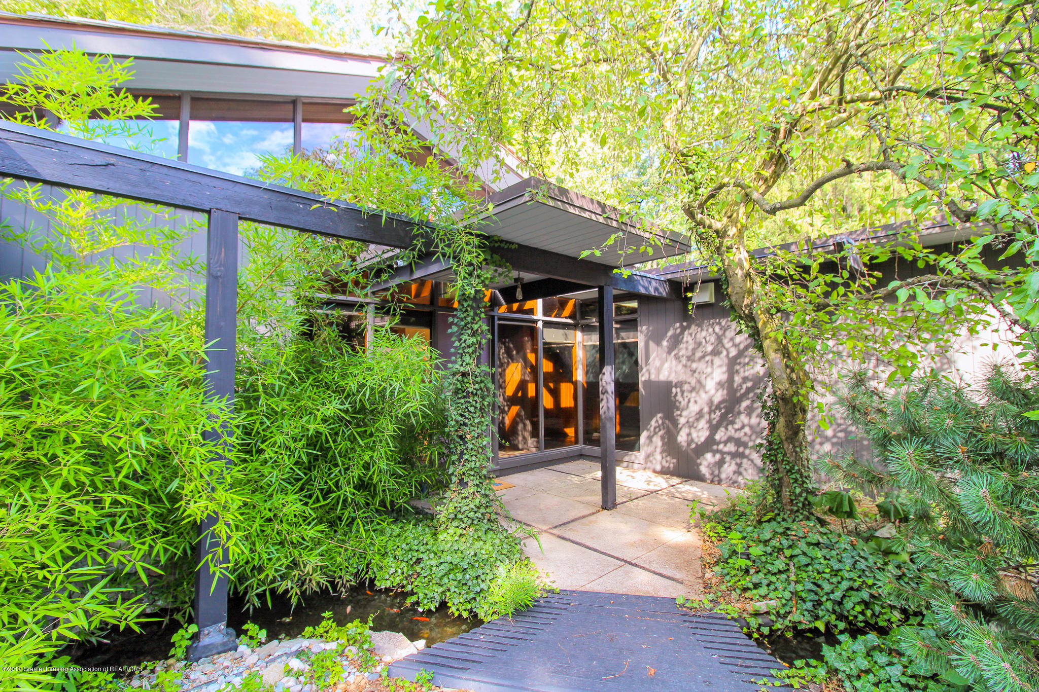 4702 Huron Hill Dr - Entry Way - 3