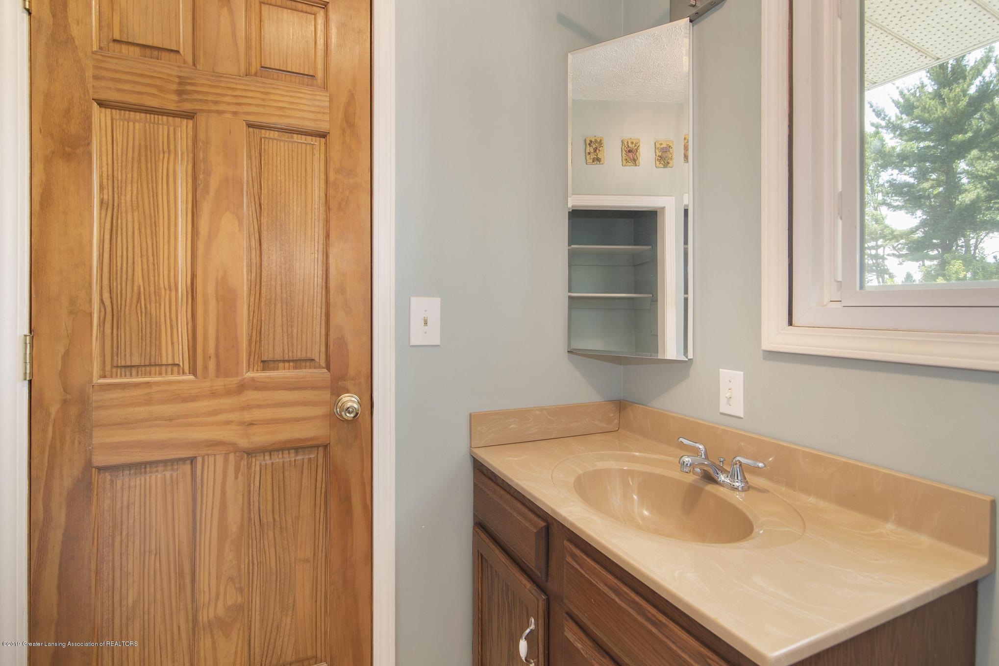 11807 Upton Rd - Bathroom - 15