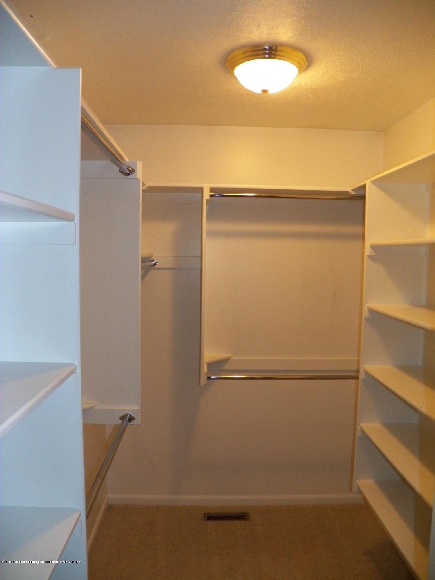 7387 Mallow Ln - master closet - 16