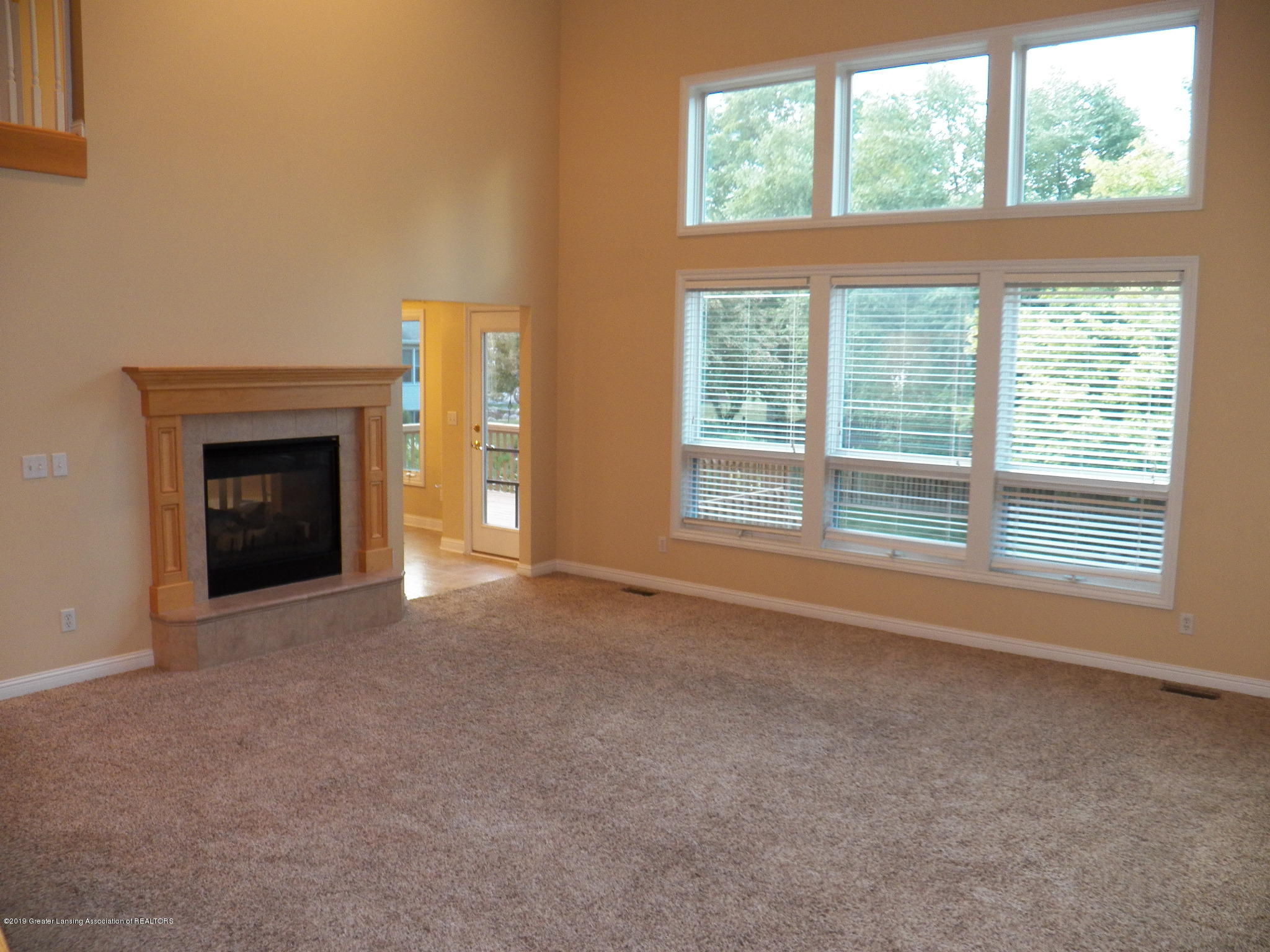 7387 Mallow Ln - living room 3 - 5