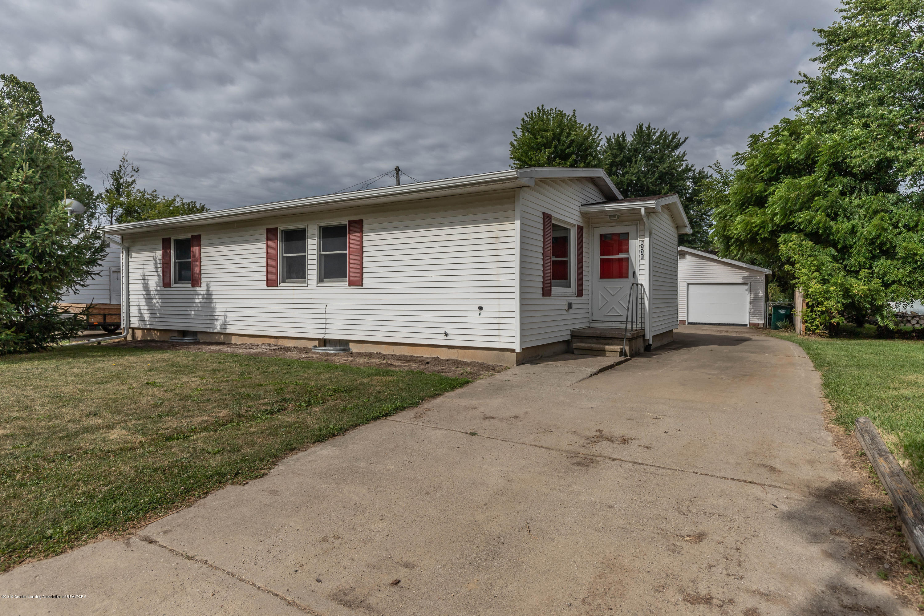 6230 Grovenburg Rd - grovenburgfront2 (1 of 1) - 2