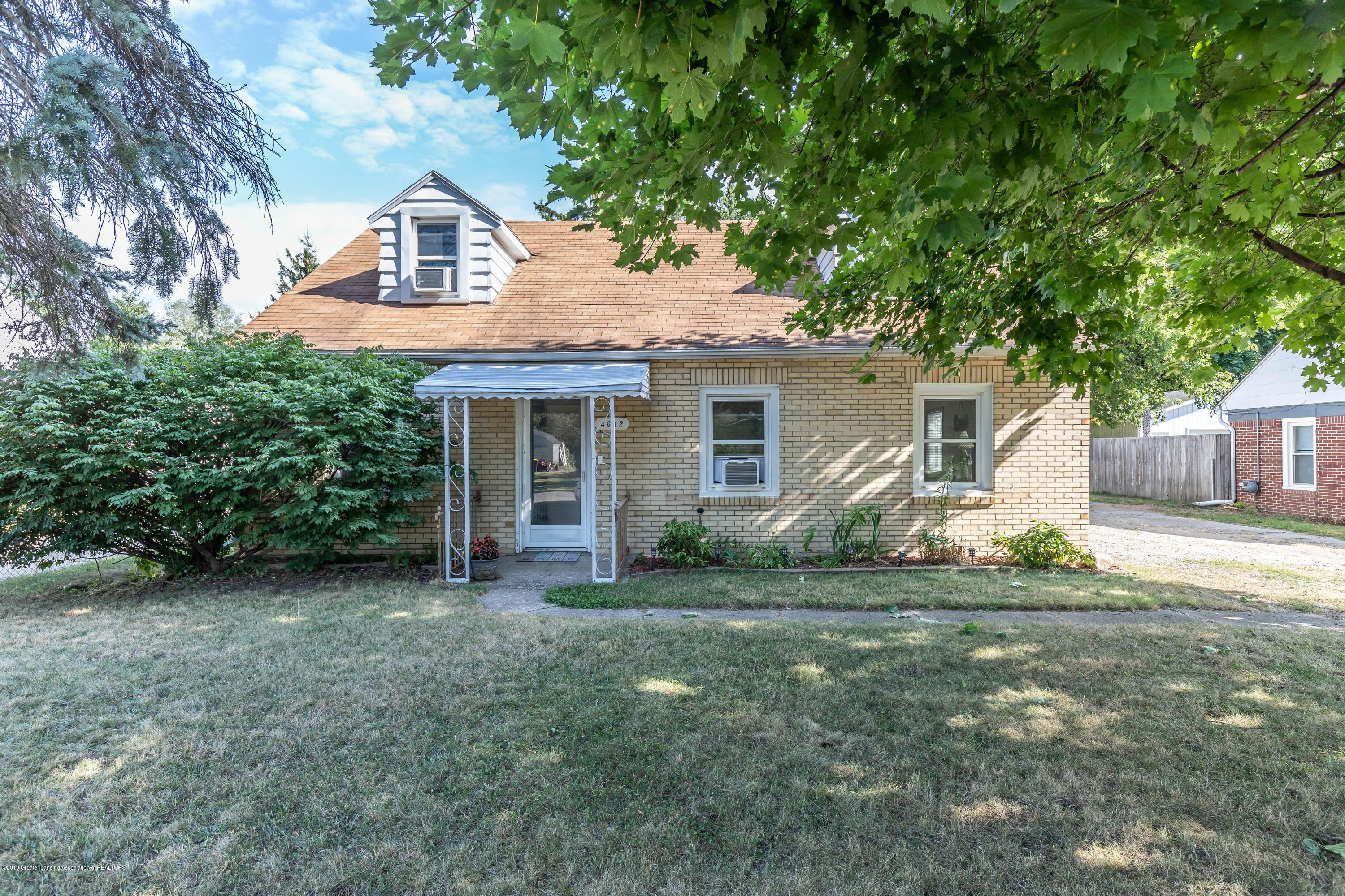 4632 Tolland Ave - tollandfront2(1of1) - 1