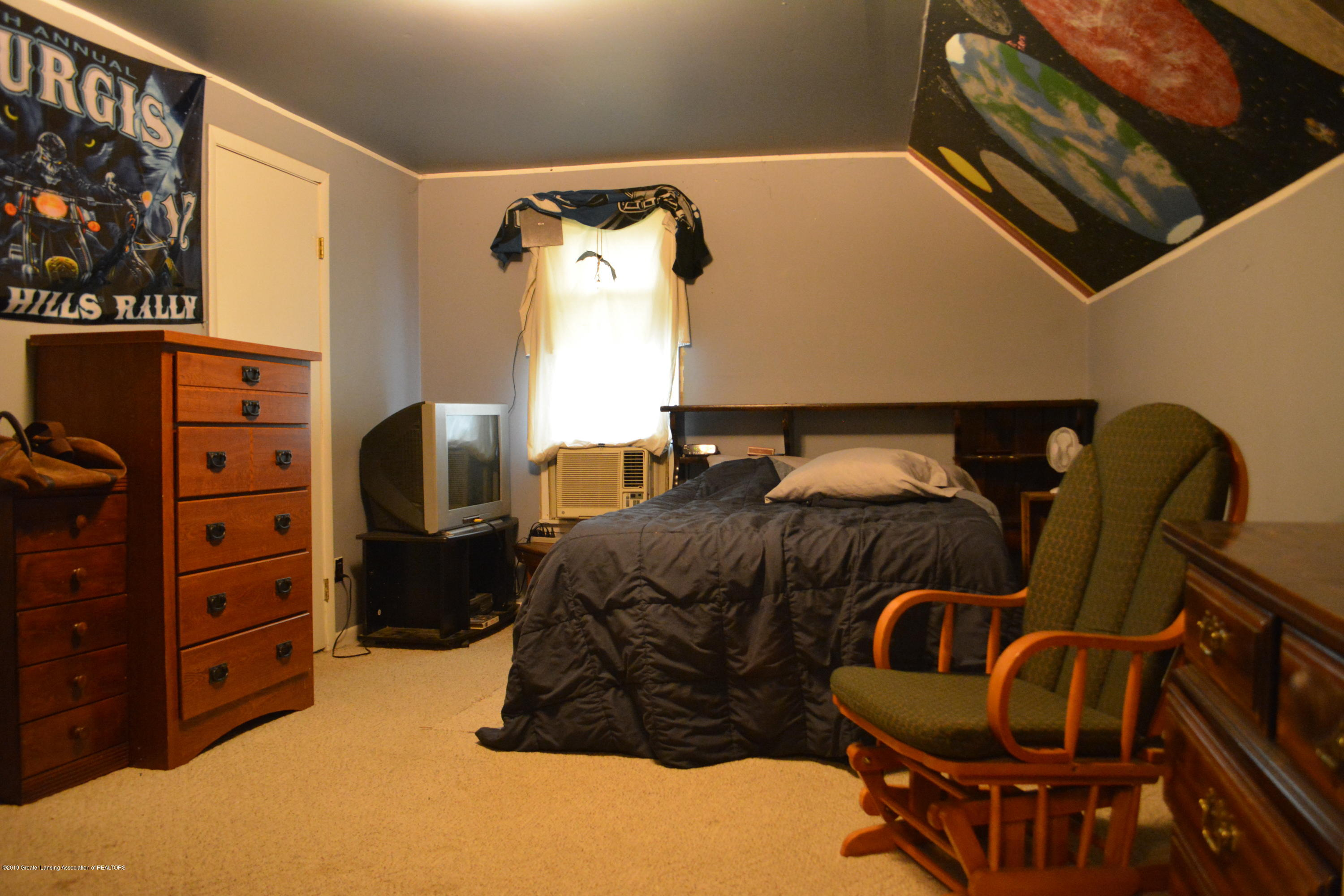 105 W Floral Ave - Bedroom - 8