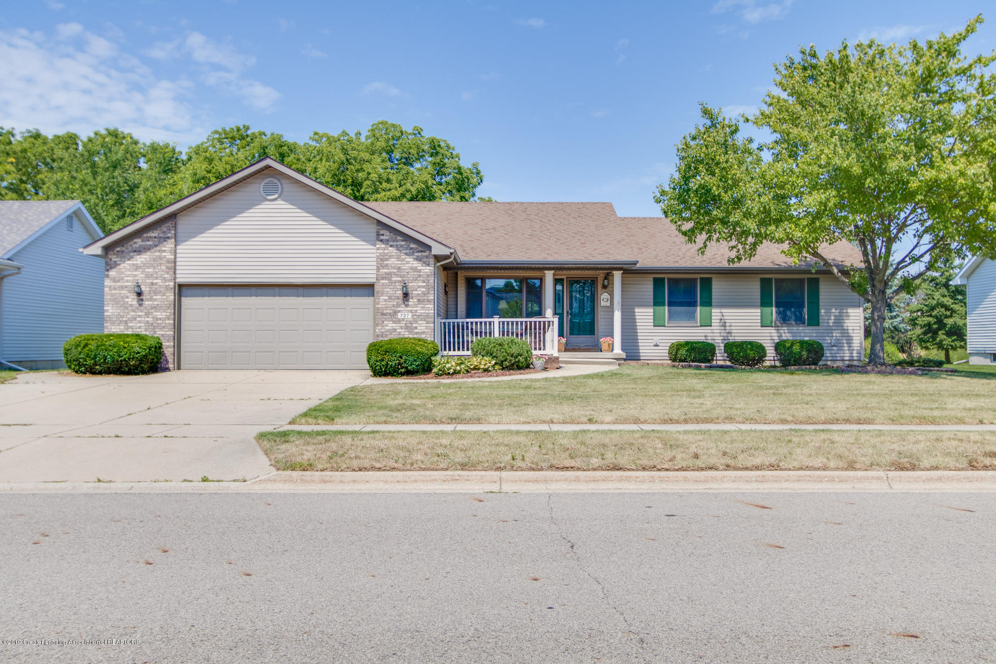 727 Fieldview Dr - Front - 1