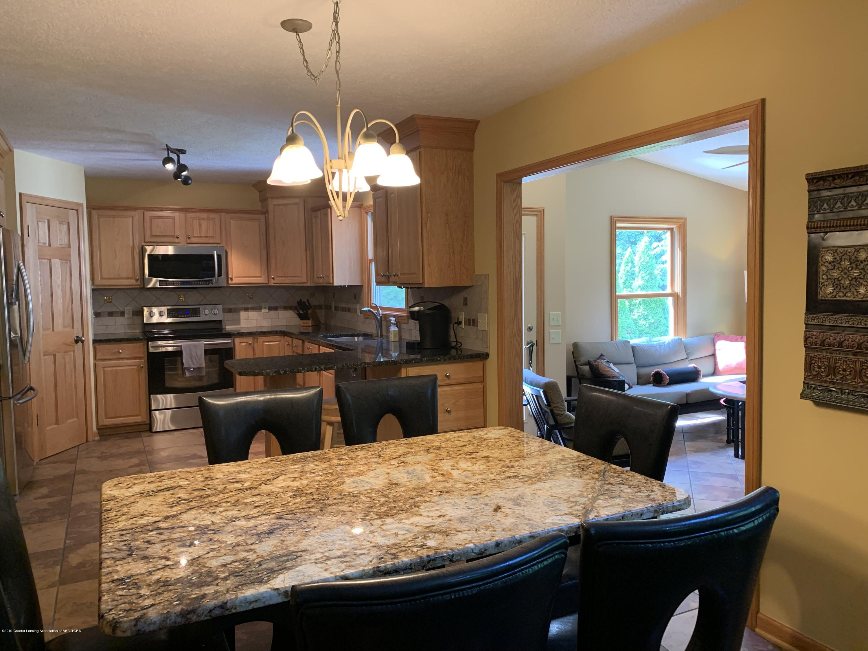 3150 Crofton Dr - Kitchen Dining - 25