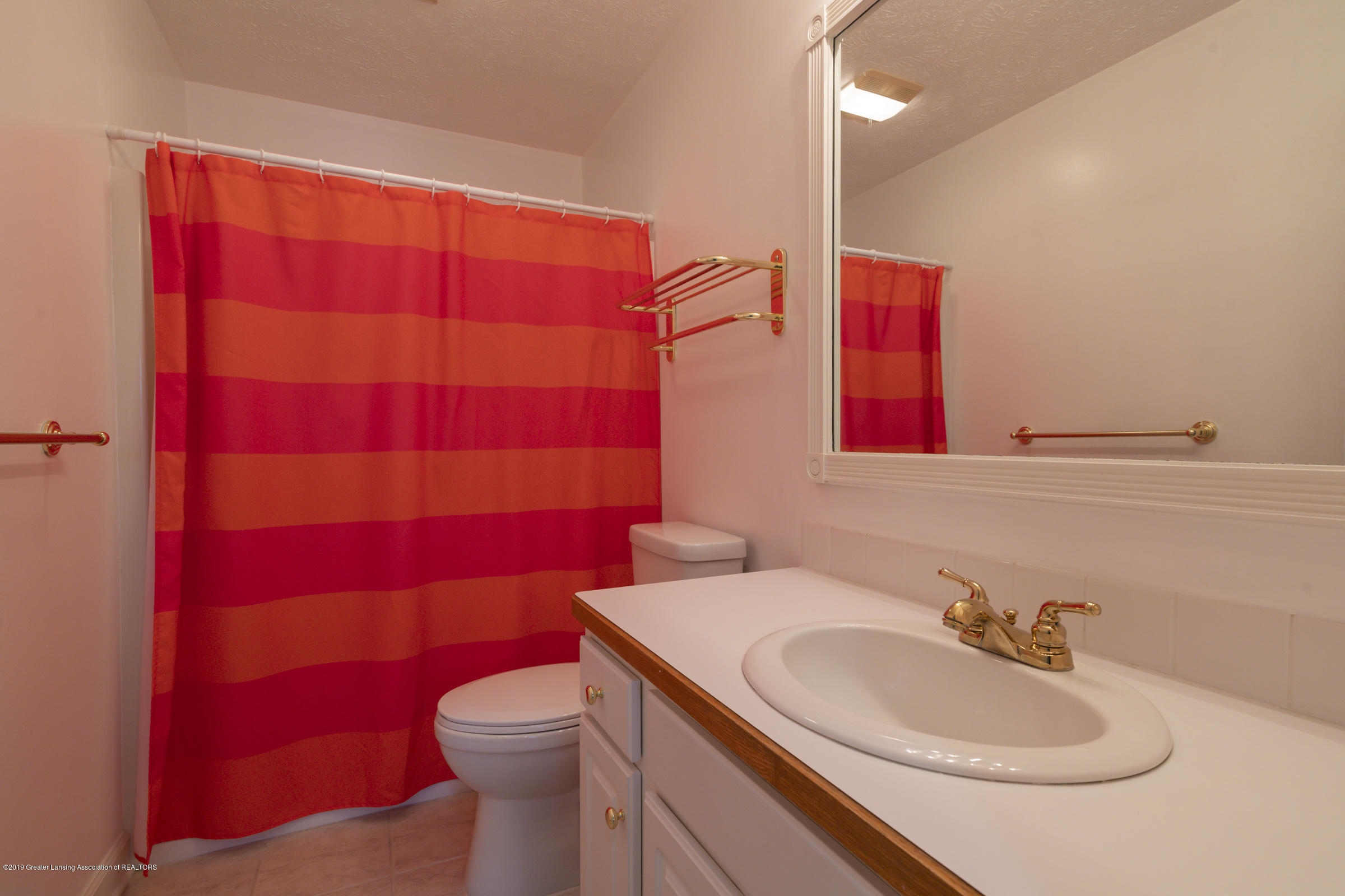 1110 Candela Ln - FULL BATHROOM - 33