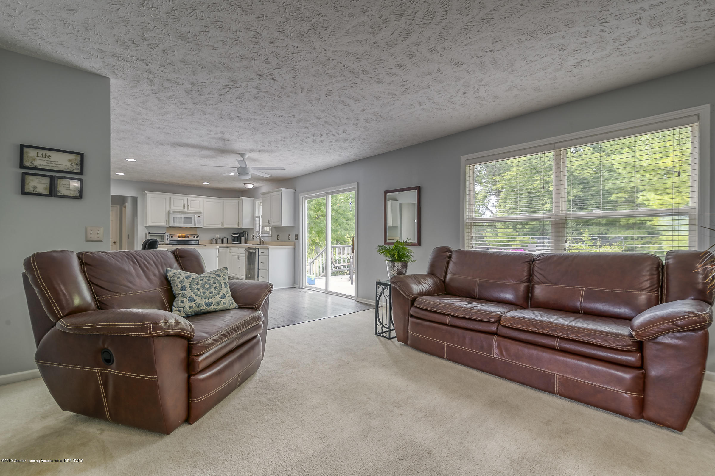 5712 Nightingale Dr - FAMILY ROOM - 3