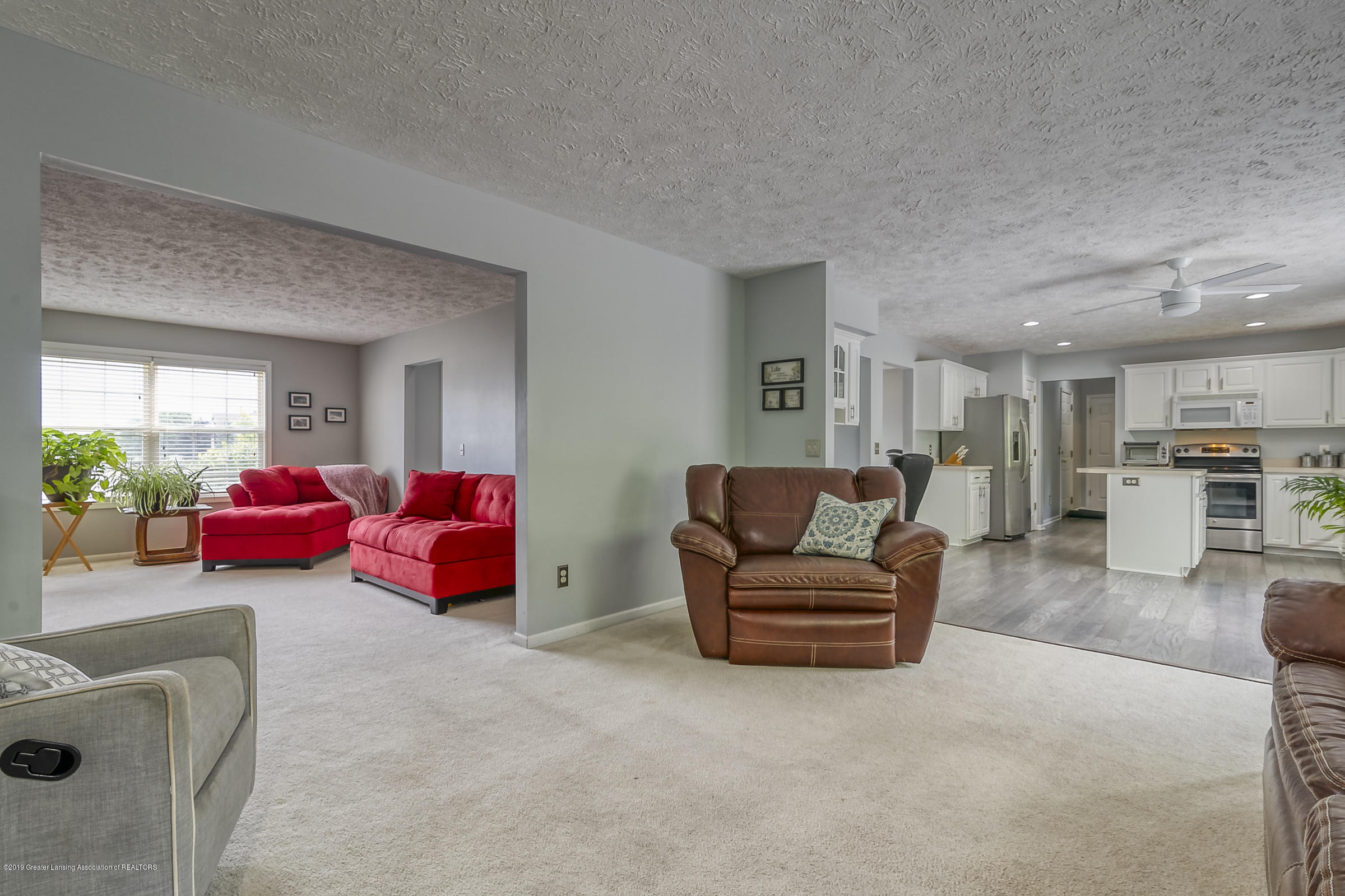 5712 Nightingale Dr - FAMILY ROOM - 8