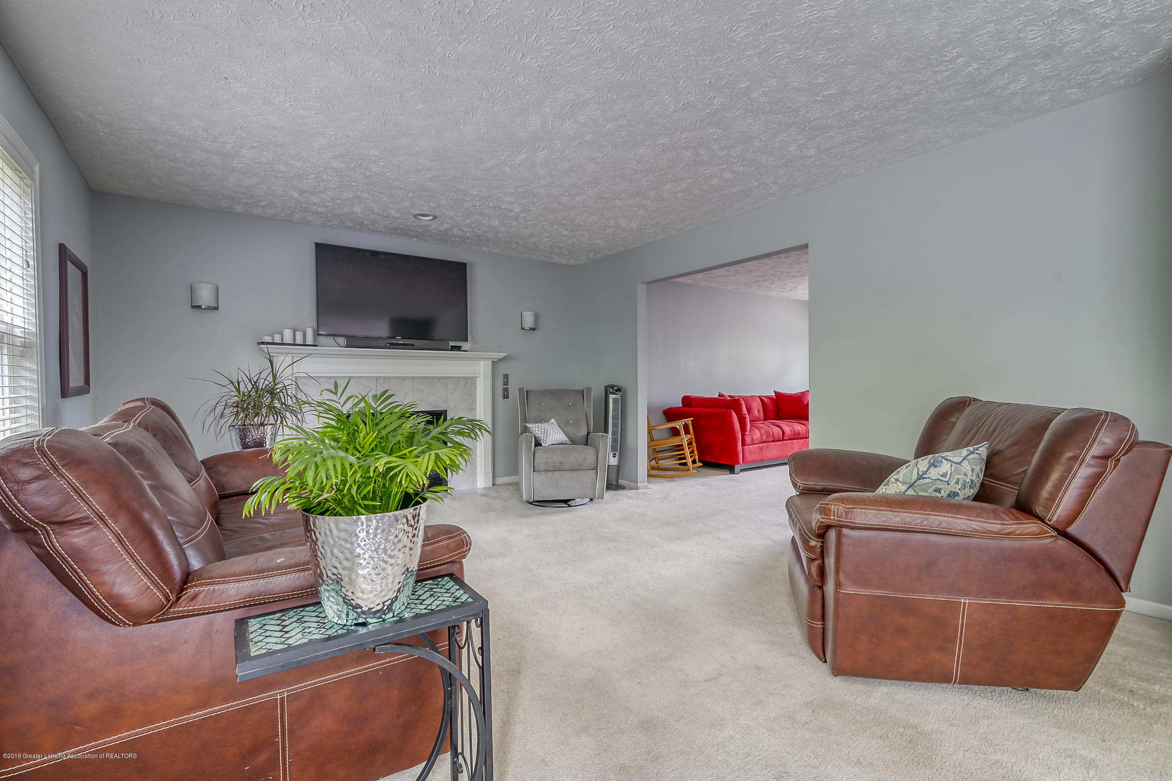5712 Nightingale Dr - FAMILY ROOM - 7