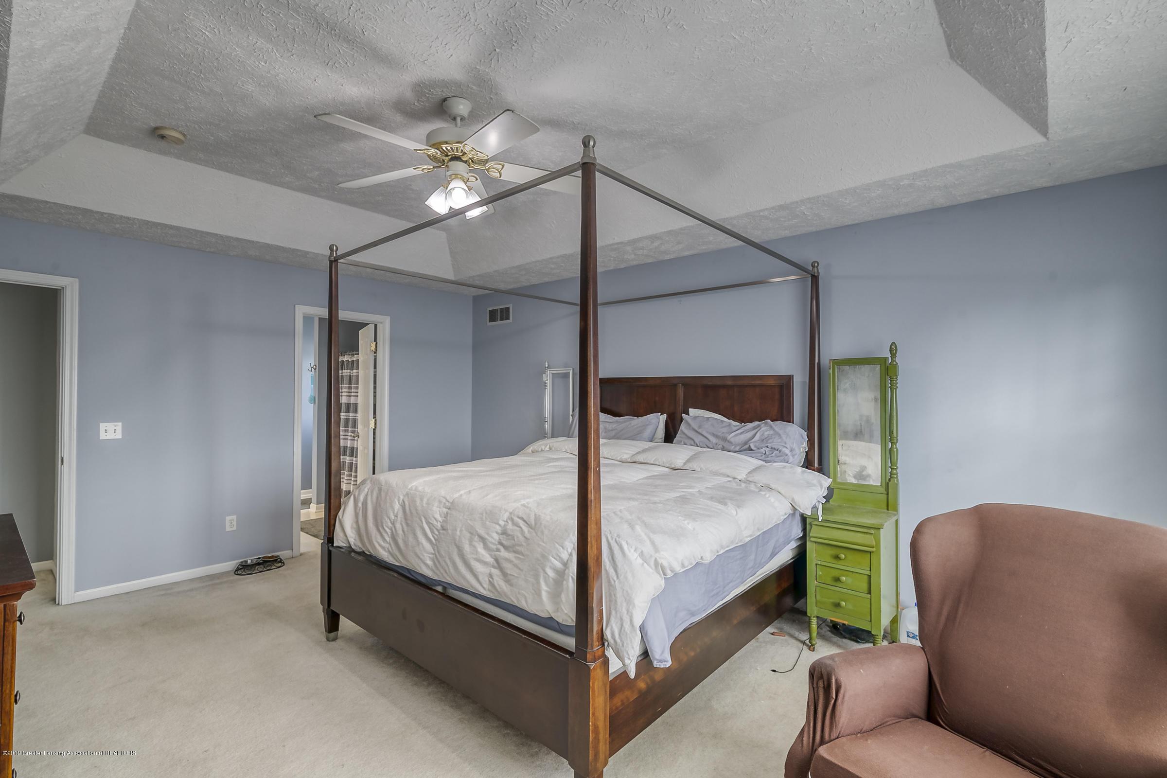 5712 Nightingale Dr - MASTER BEDROOM - 15