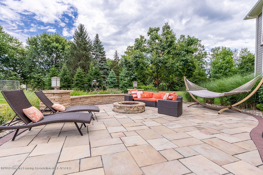 6405 Heathfield Dr - Patio/Firepit - 7
