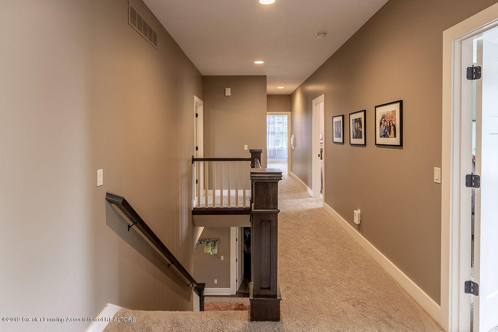 6405 Heathfield Dr - Upstairs Landing - 43