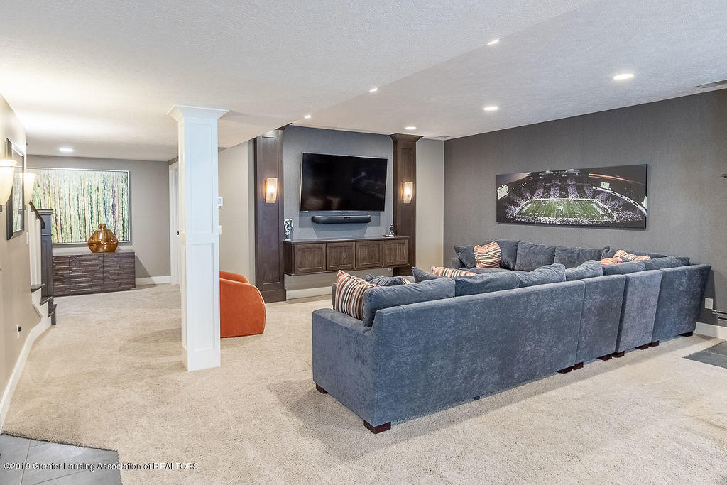 6405 Heathfield Dr - Family Room - 72