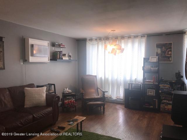 1041 Kimberly Dr APT 2 - Living Room - 5