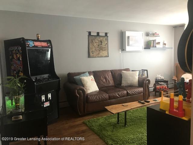 1041 Kimberly Dr APT 2 - Living Room - 7