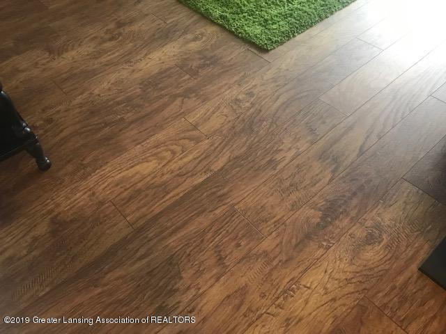 1041 Kimberly Dr APT 2 - Flooring - 20