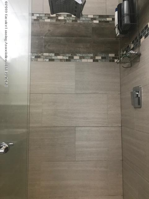 1041 Kimberly Dr APT 2 - Shower - 16