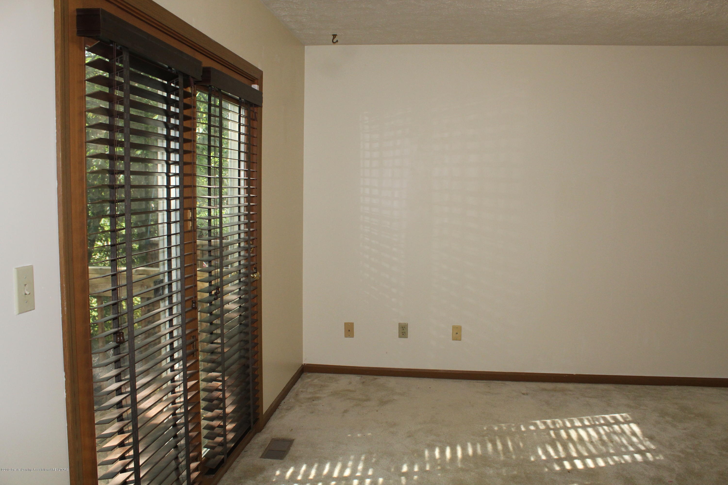 5041 W Willoughby Rd APT 3 - IMG_0905[1] - 7