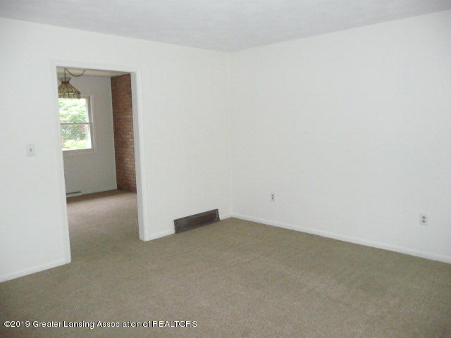 11576 Ransom Hwy - Living Room - 6