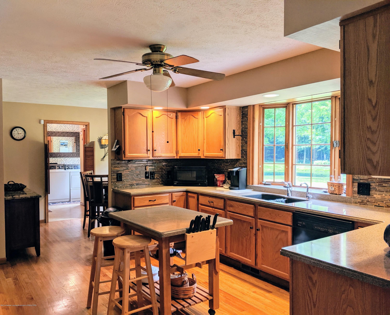 9505 Oneida Rd - Kitchen - 23