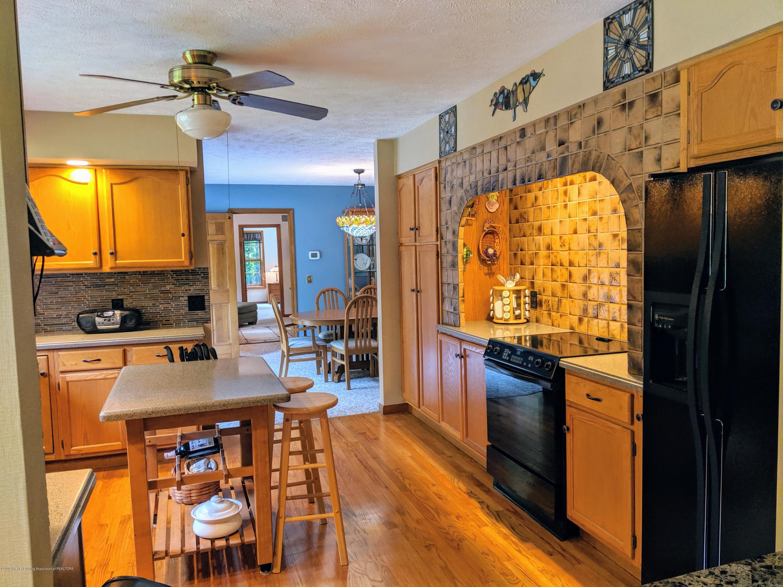 9505 Oneida Rd - Kitchen - 24