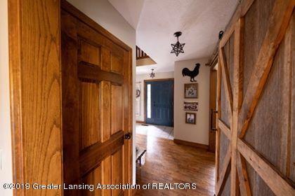 4241 Whittum Rd - Hallway from the kitchen - 6