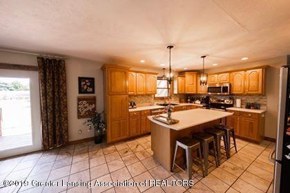 4241 Whittum Rd - Kitchen from the hallway - 9