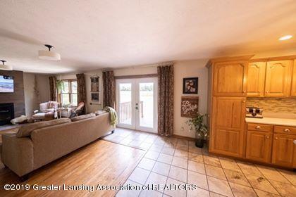 4241 Whittum Rd - Kitchen Living room line - 8