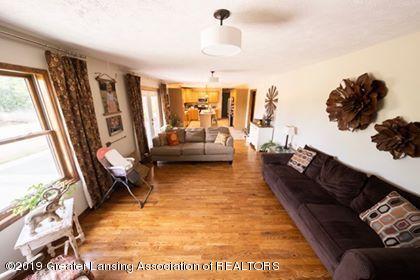 4241 Whittum Rd - Living room - 12