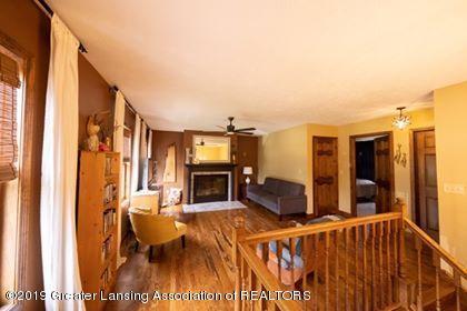4241 Whittum Rd - upstairs living room - 21