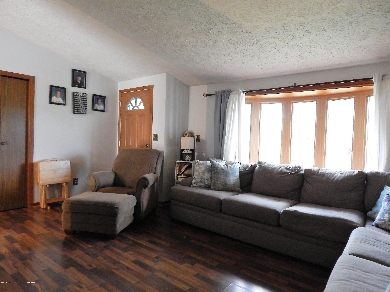 13444 Tiffin St - Living Room - 23