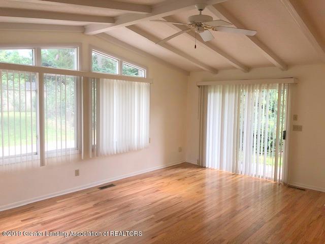2007 Navaho Trail - Living Room - 4