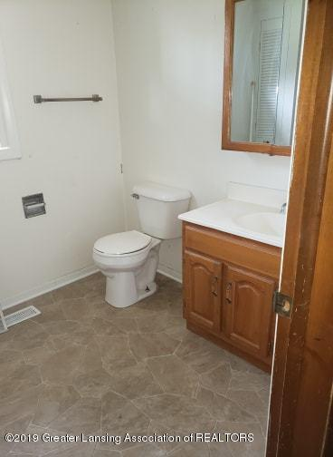 620 Forest St - Bathroom - 8