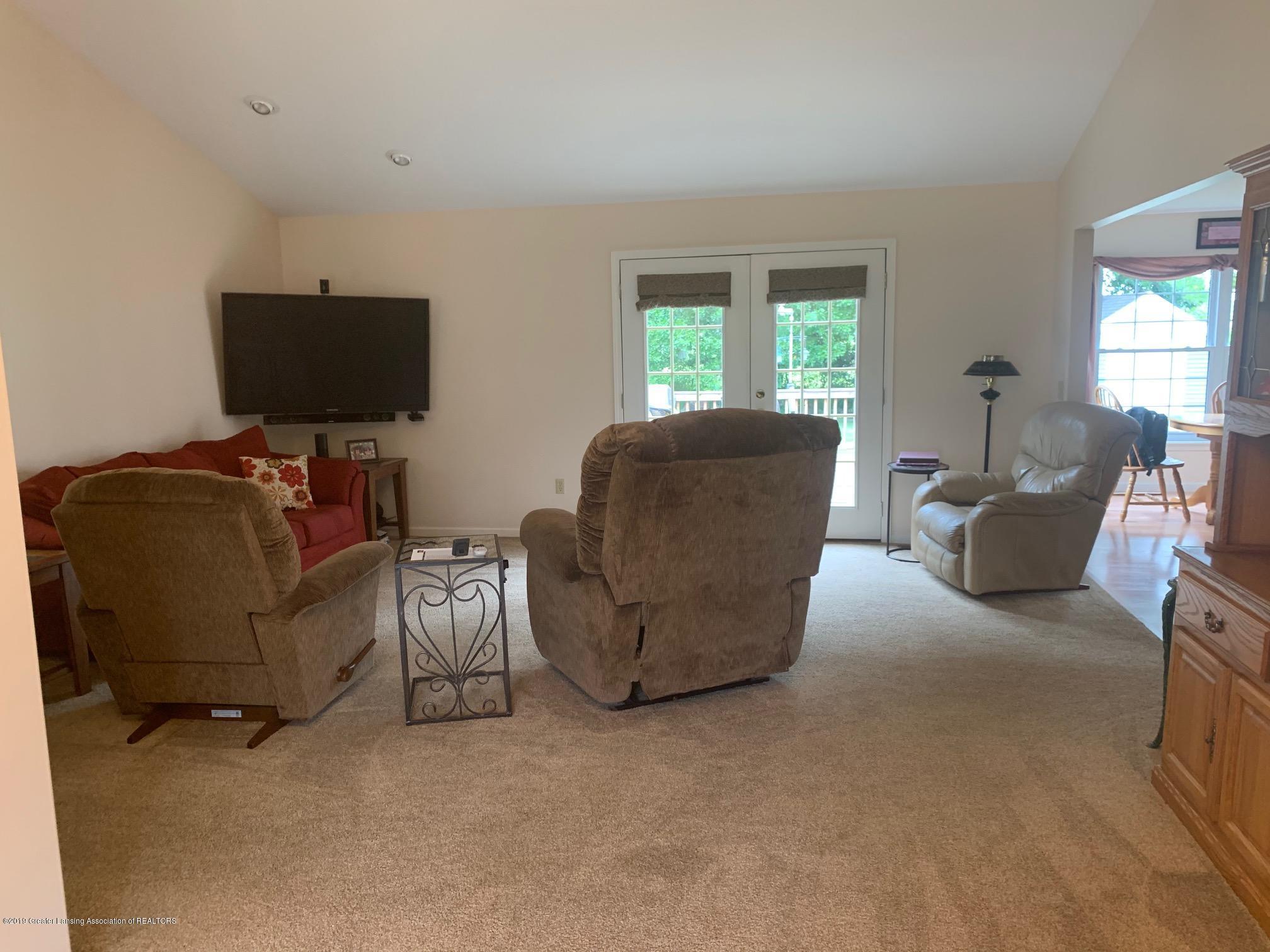 1410 Jackson Dr - Living Room - 9