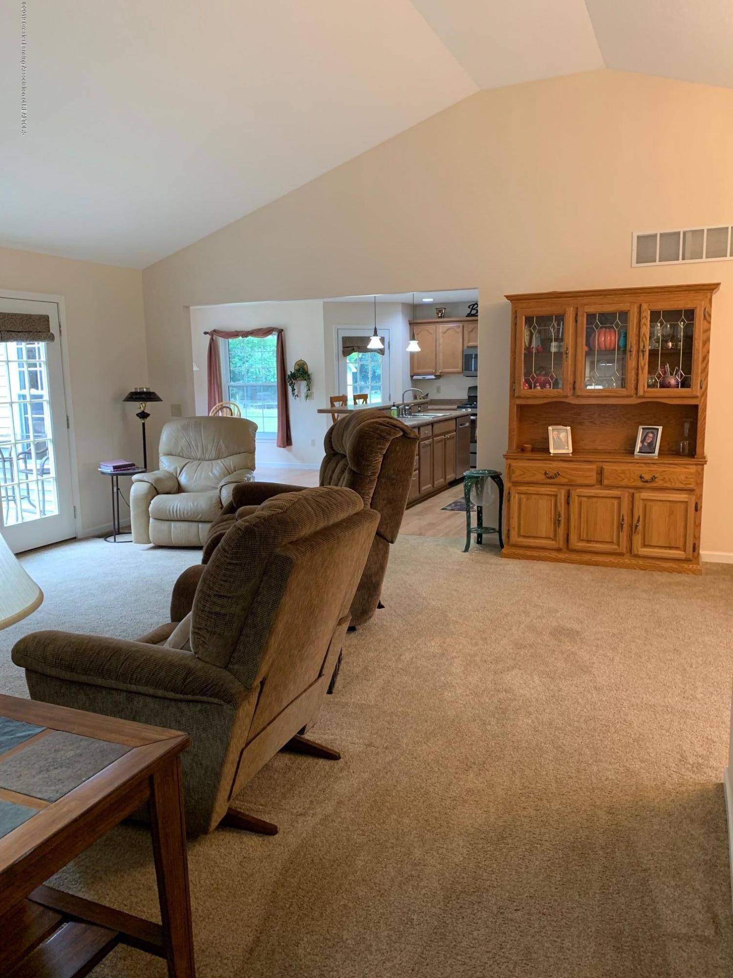 1410 Jackson Dr - Living Room - 8