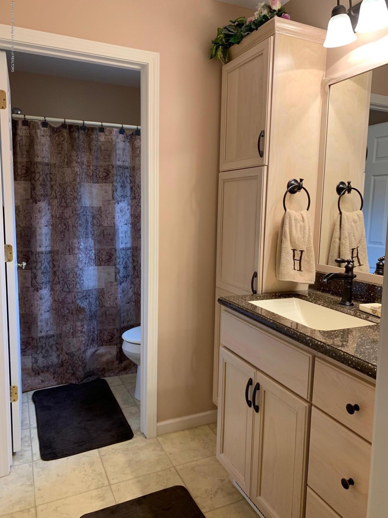 1410 Jackson Dr - Bathroom - 11