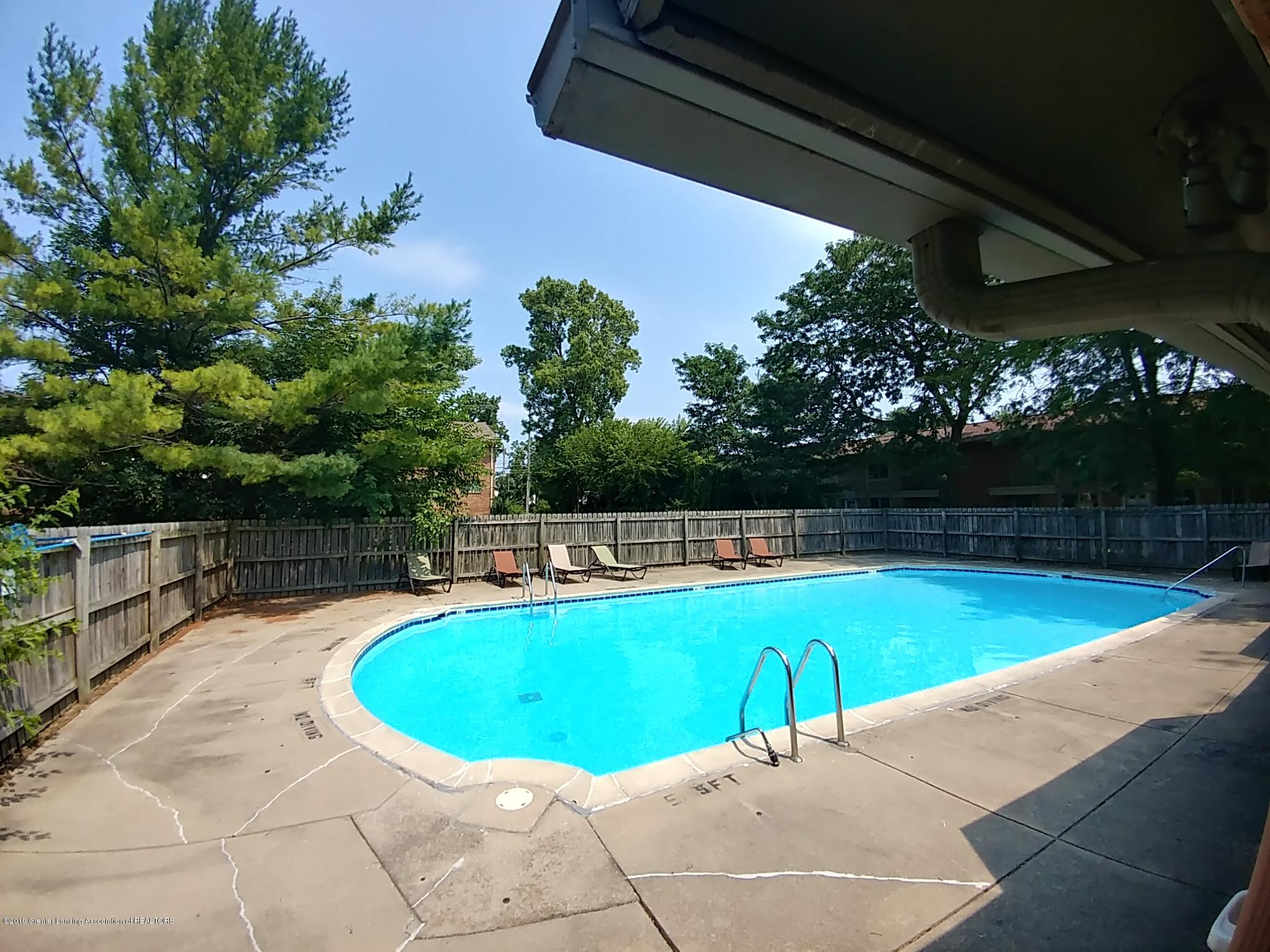965 Barclay Ln - Swimming Pool - 24