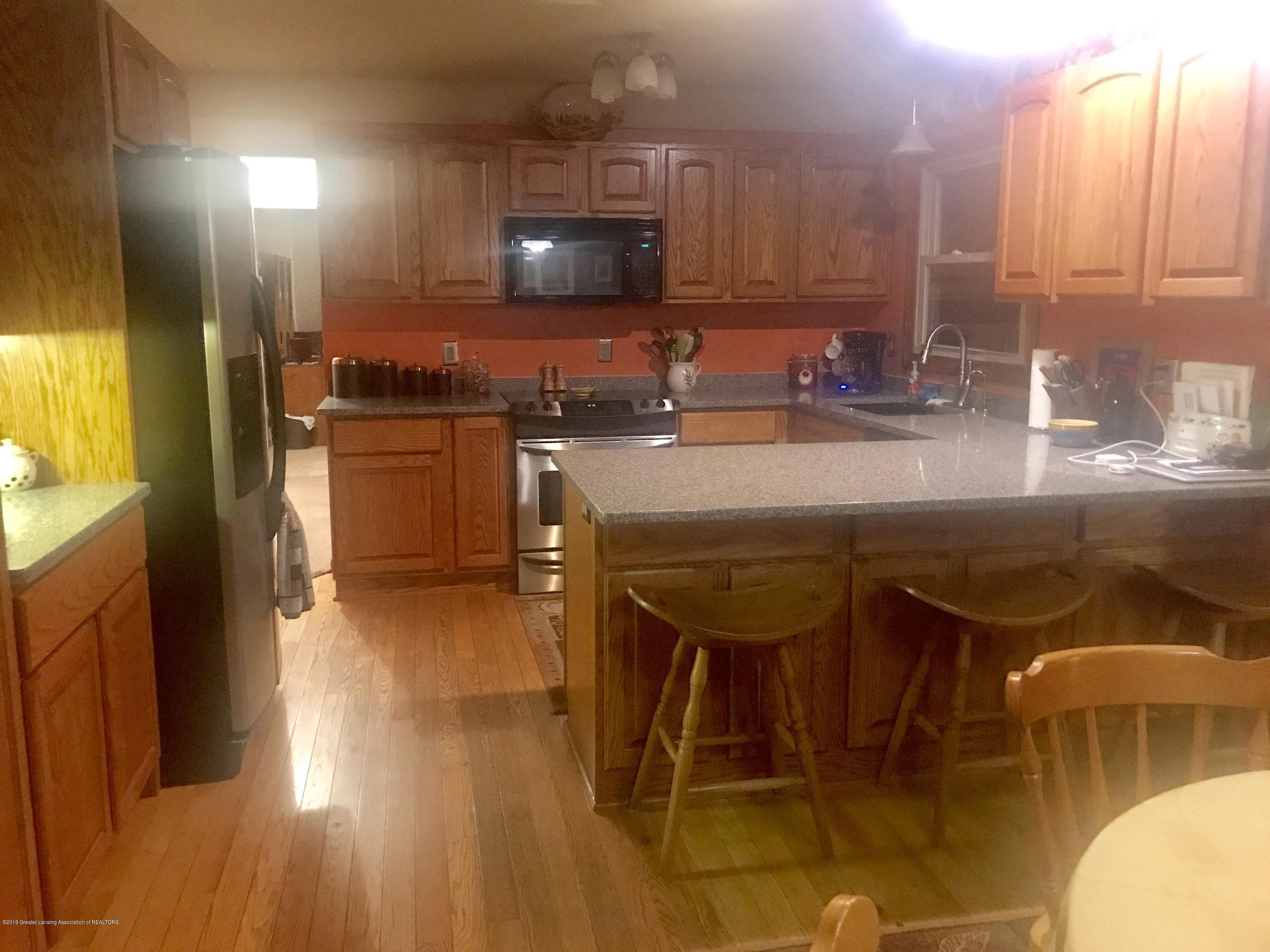 805 E Dill Dr - Re-polished & Sealed Hardwood Flooring - 64